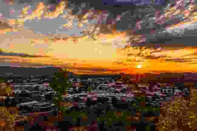Sunset over Alice Springs (Tourism NT/Debra Hoyt)
