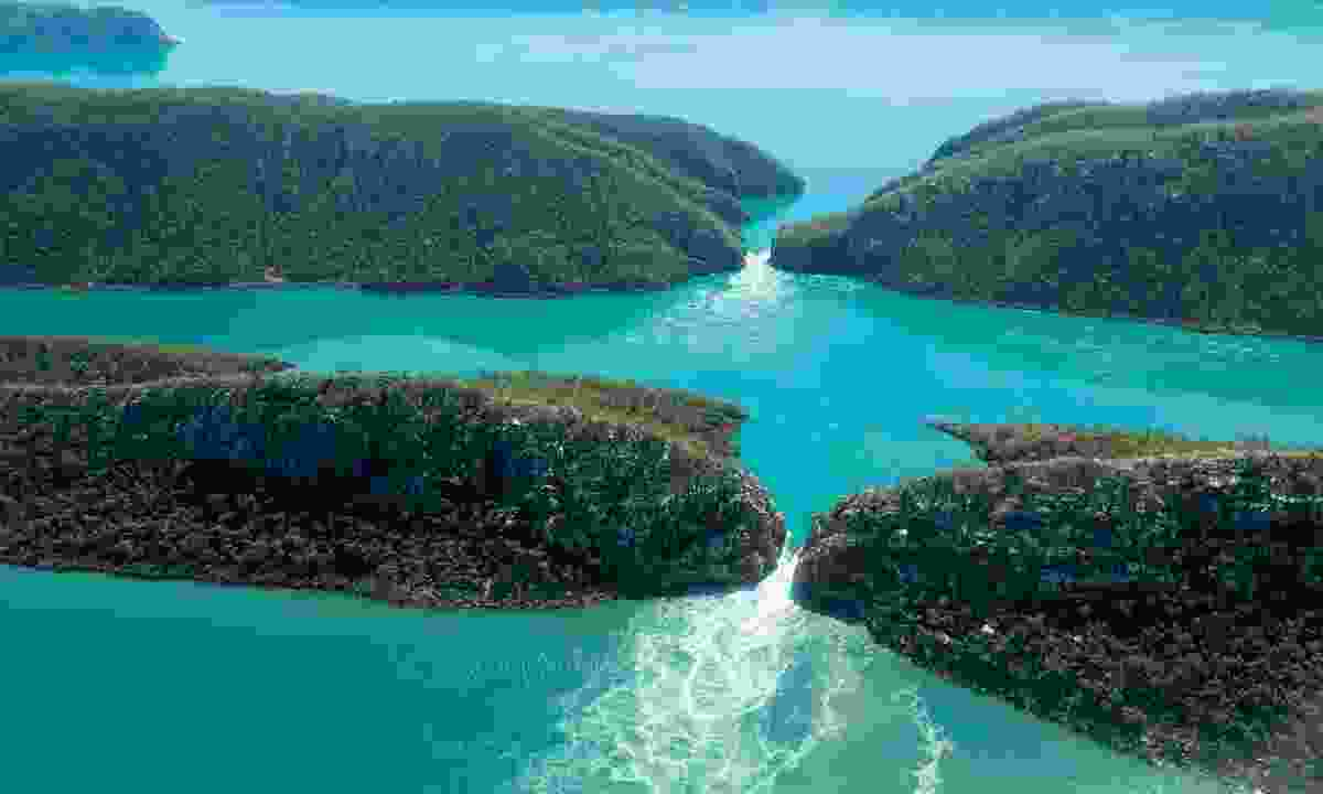 Horizontal Falls (Phoebe Smith)
