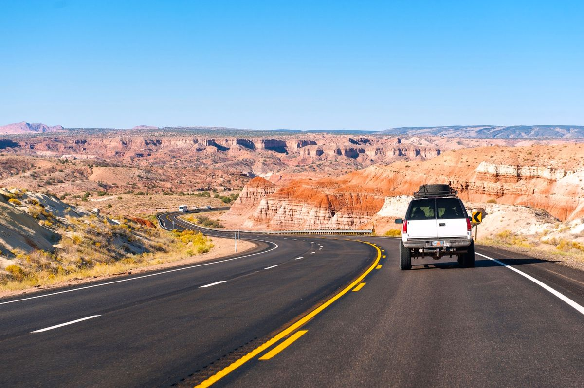 Driving through Arizona (Dreamstime)
