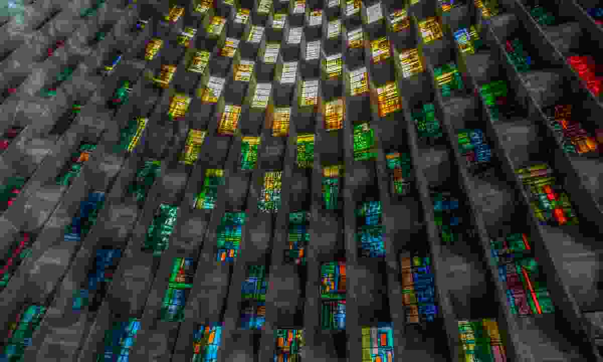 The new stained glass window in Coventry Cathedral (Shutterstock)