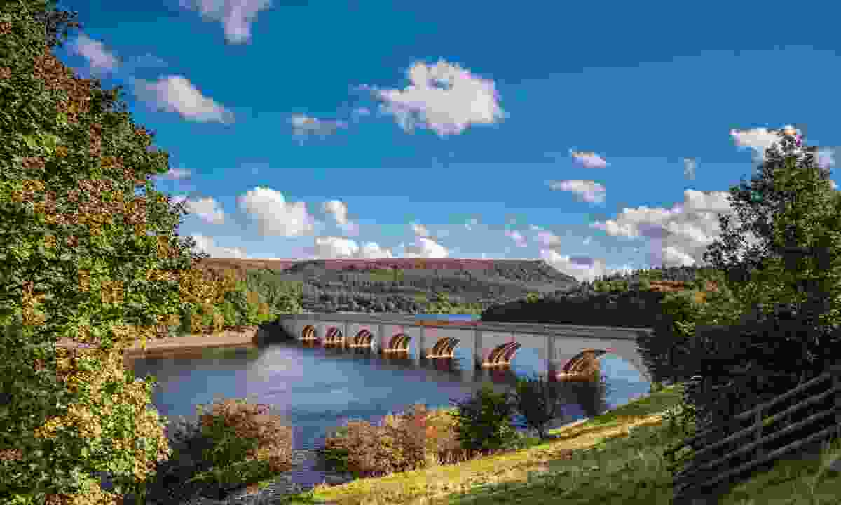 Ashopton Viaduct above Ladybower Reservoir (Shutterstock)