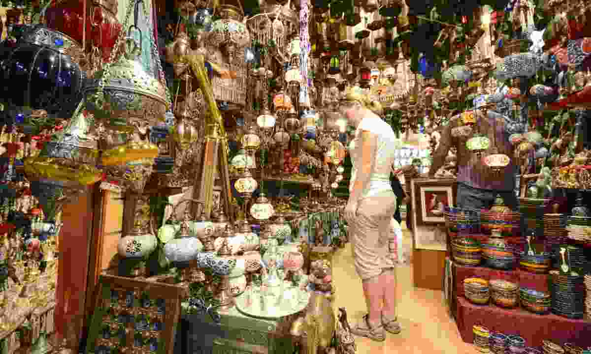 Shopping at Muttrah Souk, Muscat (Dreamstime)