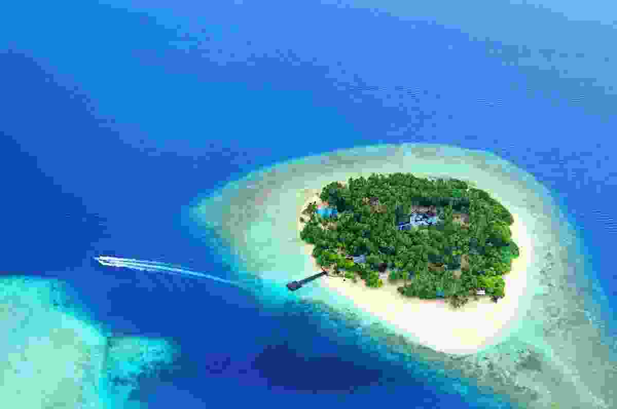 A Maldivian island from above (Shutterstock)