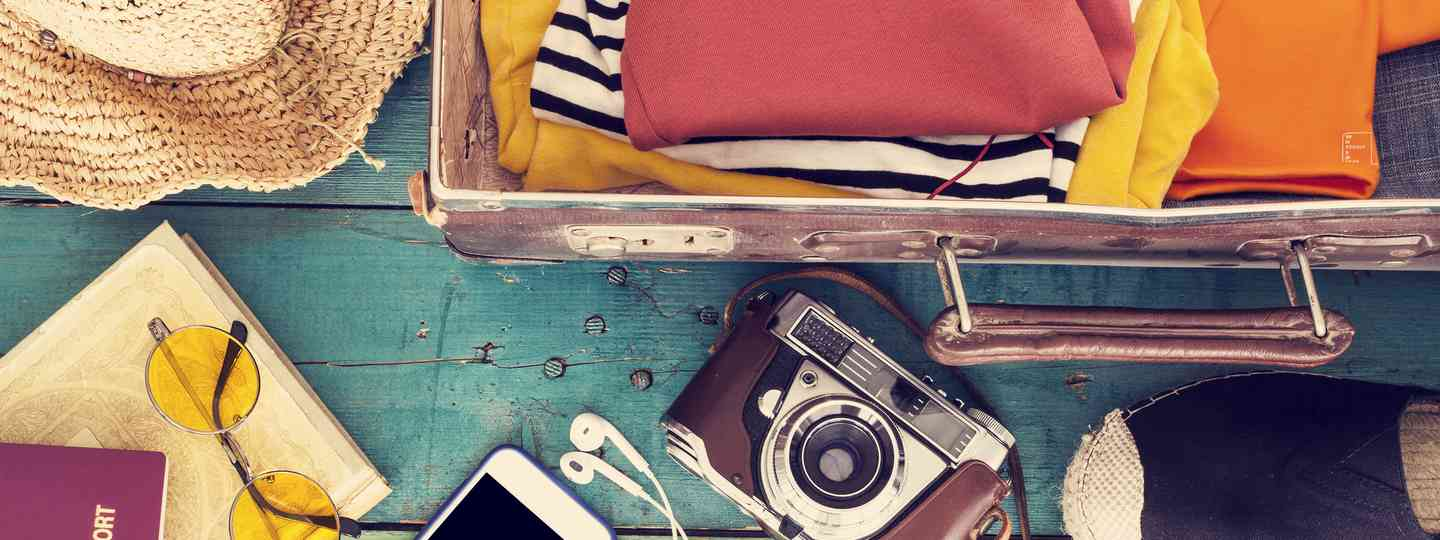 Packing light: what you really need in your suitcase (Shutterstock)