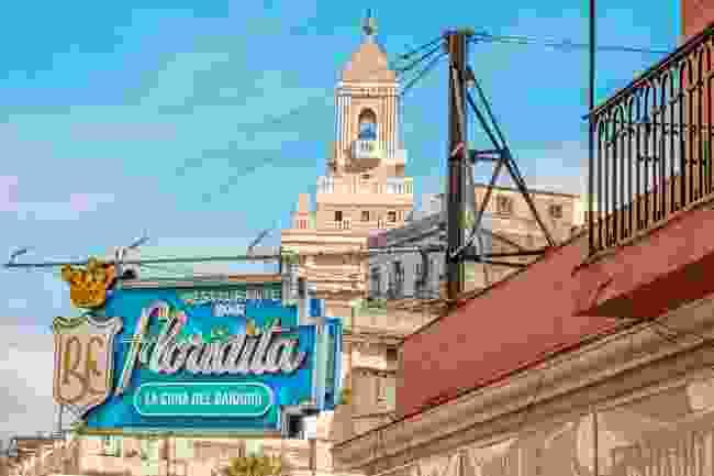 Floridita Cocktail Bar, Havana, Cuba (Shutterstock)