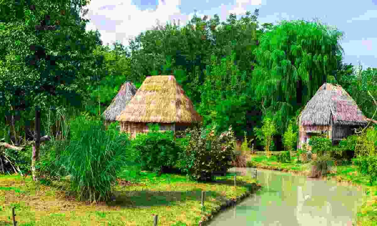 Visit a Zulu village (Shutterstock)