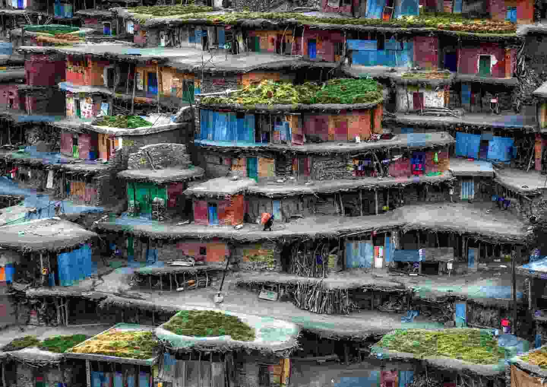 Colourful village Chaharmahal and Bakhtiari Province, Iran (Babak Mehrafshar)
