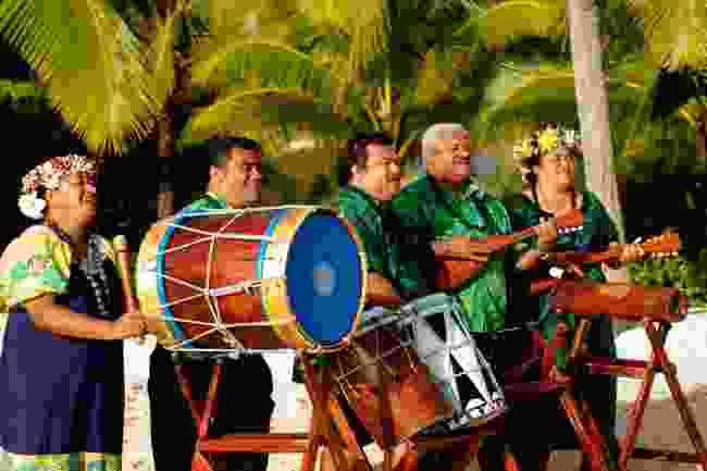 Listen to a Polynesian band (Shutterstock)