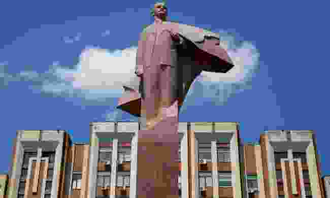 A statue of Vladimir Lenin in Tiraspol (Shutterstock)