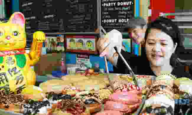 Sample the world-famous doughnuts (travelportland.com)