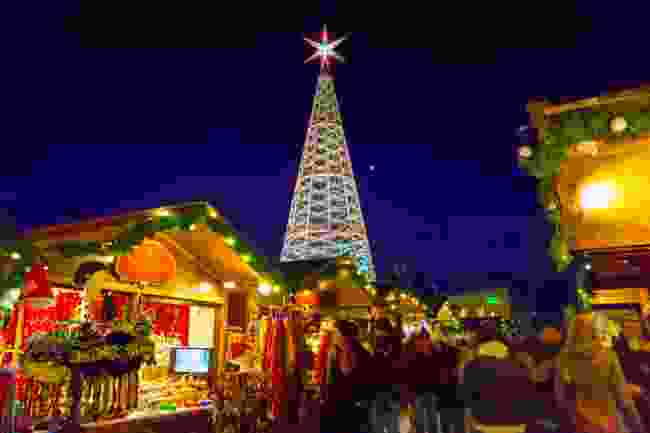 Innsbruck Christmas Market (Shutterstock)