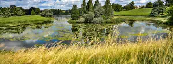 River Glyme in Oxfordshire UK (Shutterstock)