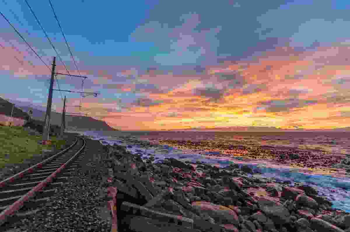 Train tracks outside Cape Town (Shutterstock)