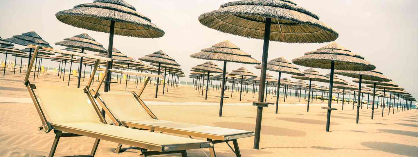 Sun chairs on Rimini beach (Dreamstime)