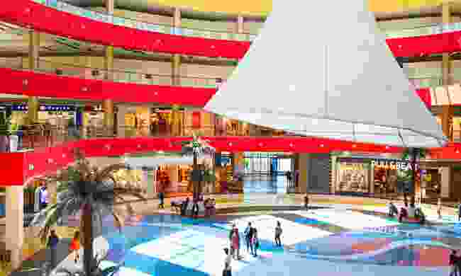 Shopping at Tbilisi Mall (Dreamstime)