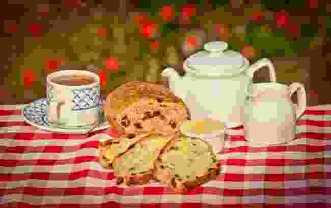 Guernsey Gâche and tea (Visit Guernsey)