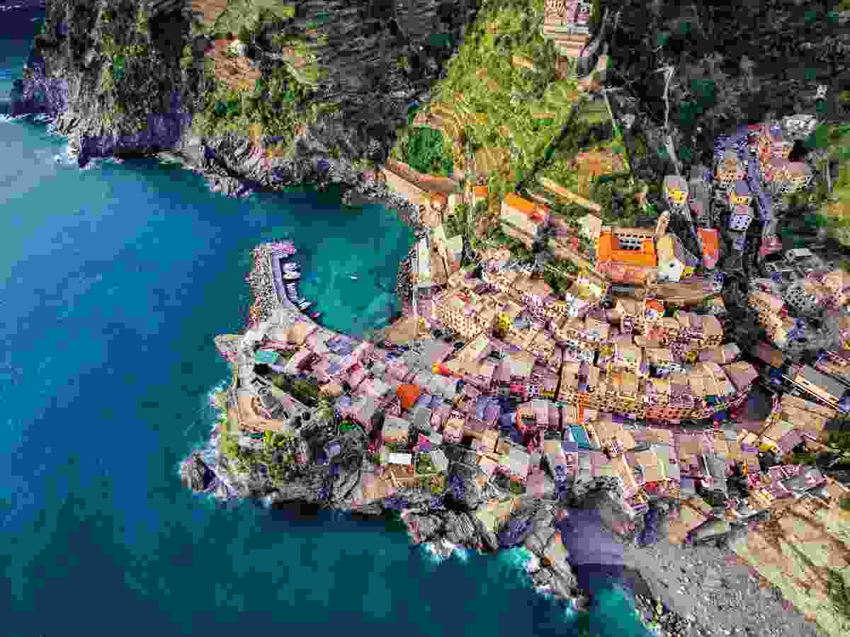 Magical Vernazza, Cinque Terre, Italy (Jerome Courtial)