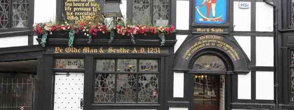 Ye Olde Man and Scythe pub (Shutterstock)