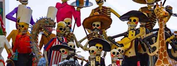 Sugar skulls in a Mexican cemetery (Shutterstock)