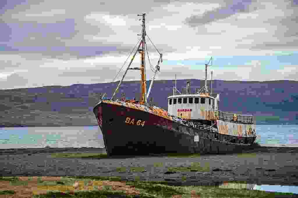 The hull of the Garður BA64 sits rusting (Mark Stratton)