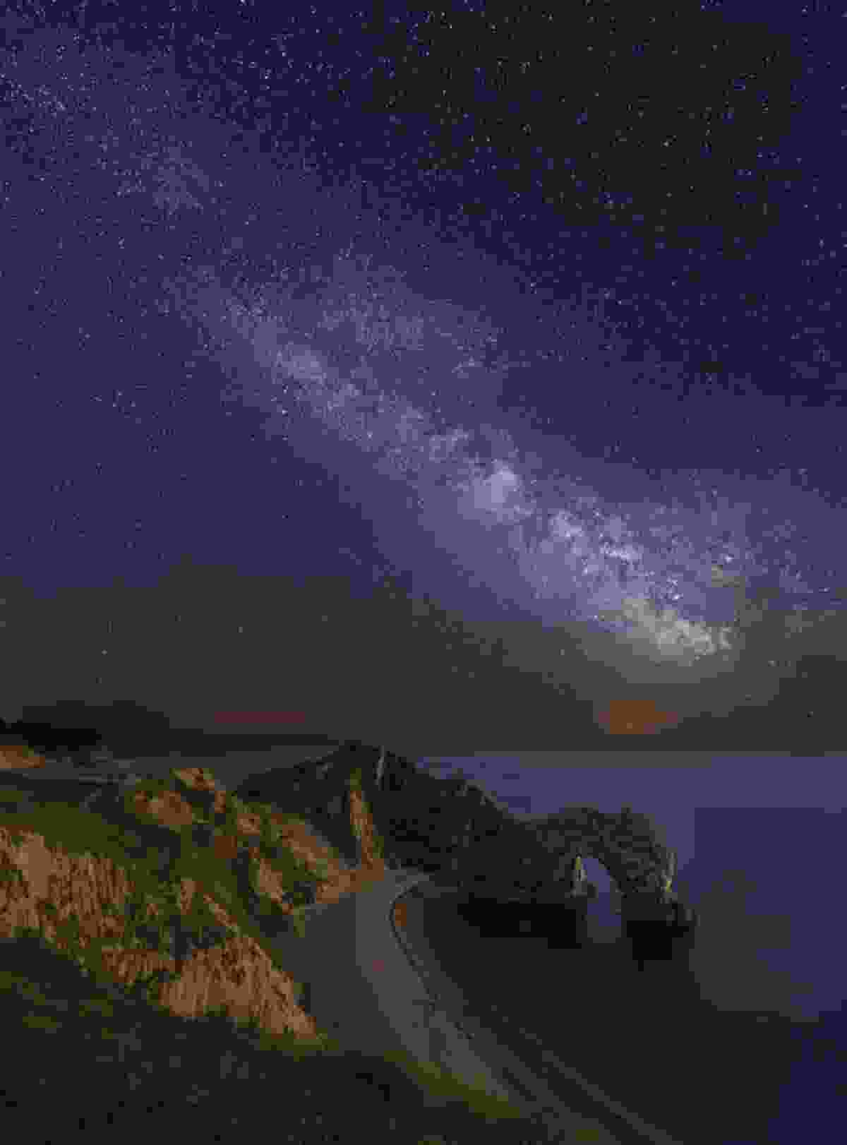 Find a suitable location with clear dark skies (Antony Zacharias)