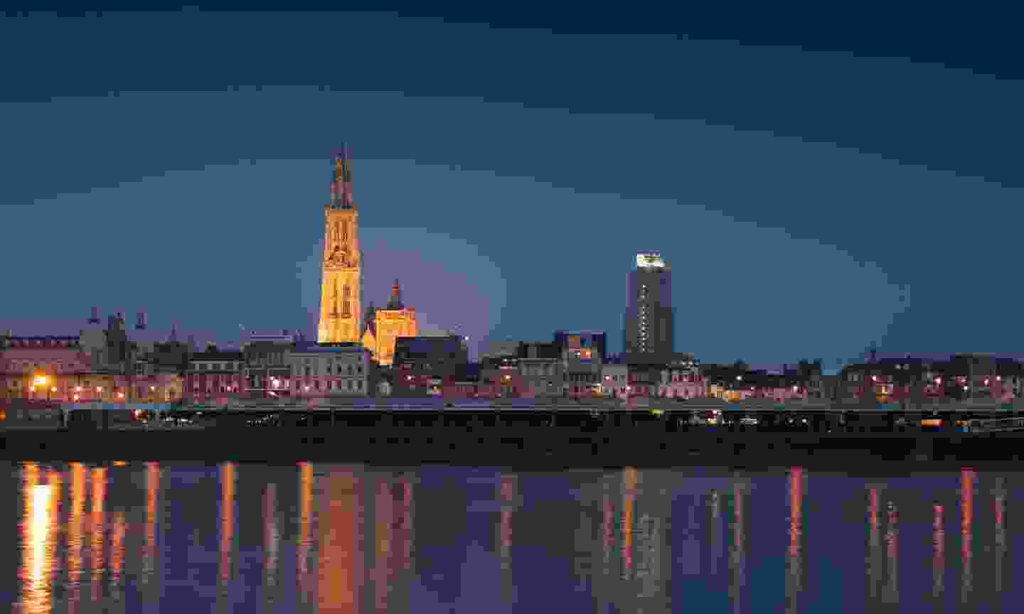 The skyline of Antwerp by night (Dreamstime)
