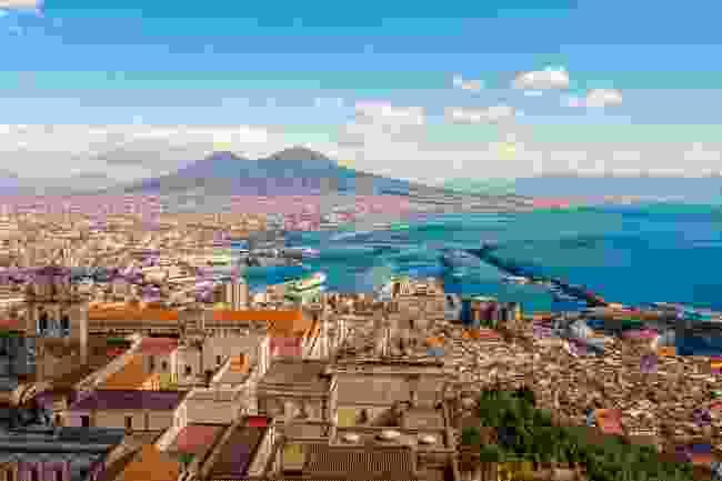 The Bay of Naples (Shutterstock)