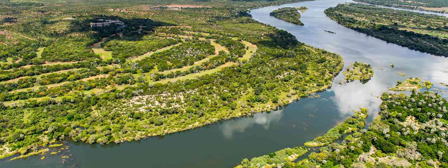 An aerial view of the Zambezi (Shutterstock)