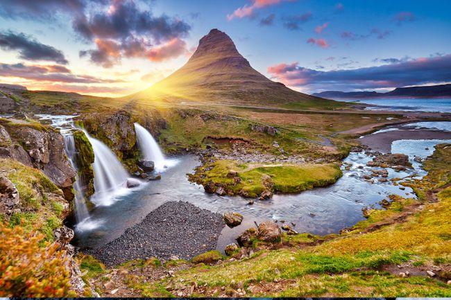 Киркьюфеллсфосс  Водопады Исландии.