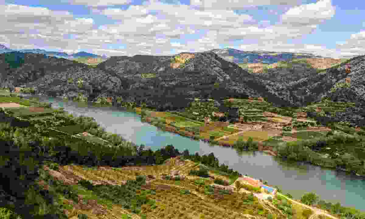 View of the Ebro River, Spain (Dreamstime)