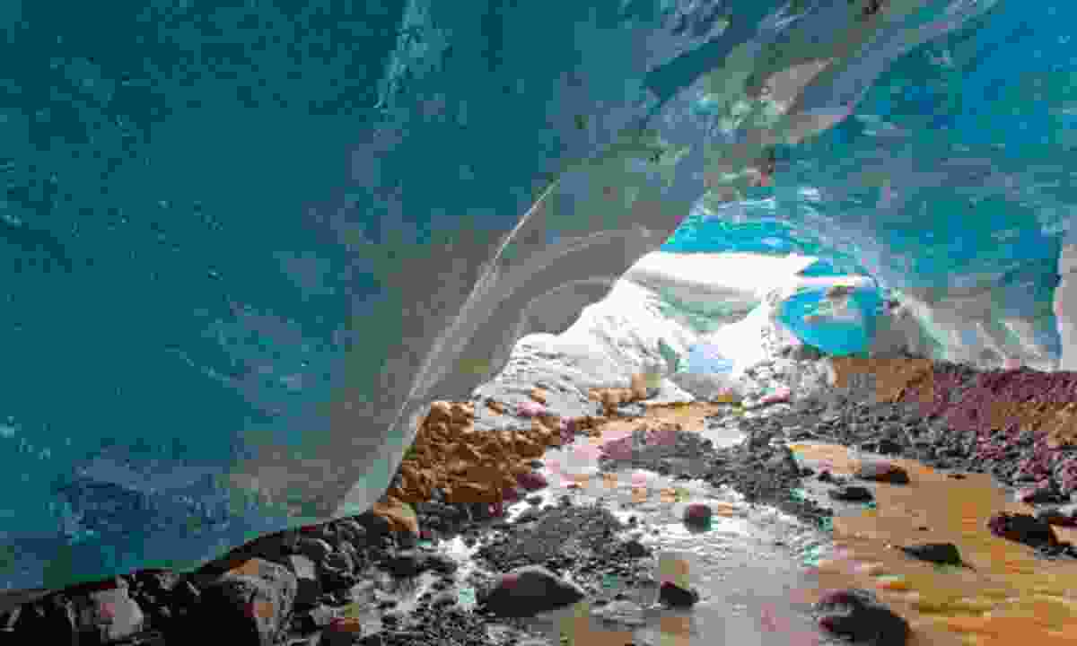 Ice cave (Dreamstime)