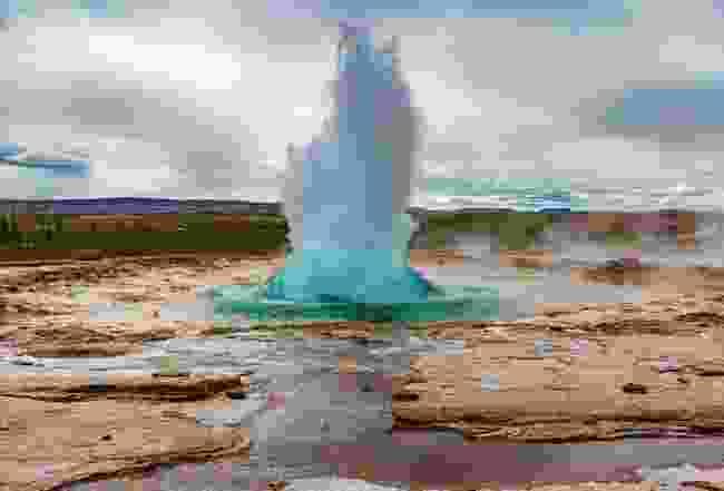 The Stokkur geysey in Haukadalur Valley, Iceland (Shutterstock)