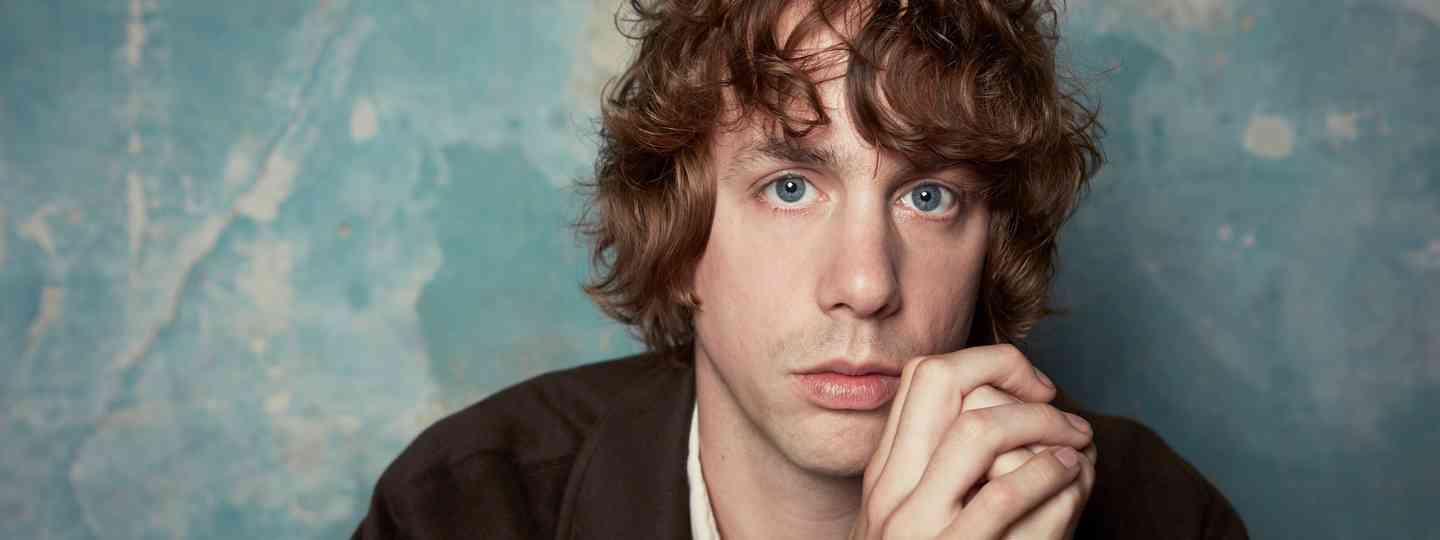 Johnny Borrell (Tom Oxley)