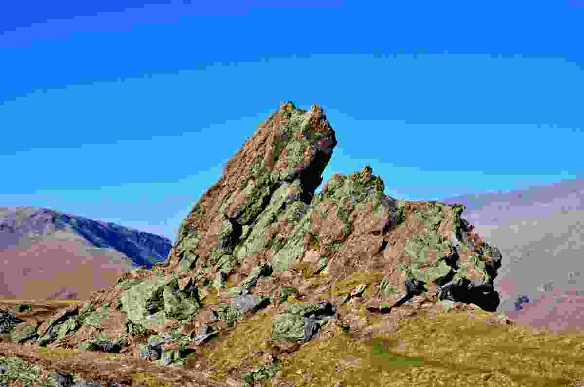 The lion and lamb rock formation at the summit of Helm's Crag, in the Lake District, Cumbria (Dreamstime)