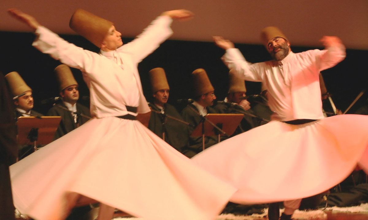 Whirling dervishes in Istanbul (Dreamstime)