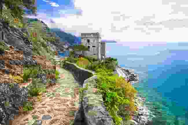 Monterosso al Mare walking path, Cinque Terre, Italy (Shutterstock)