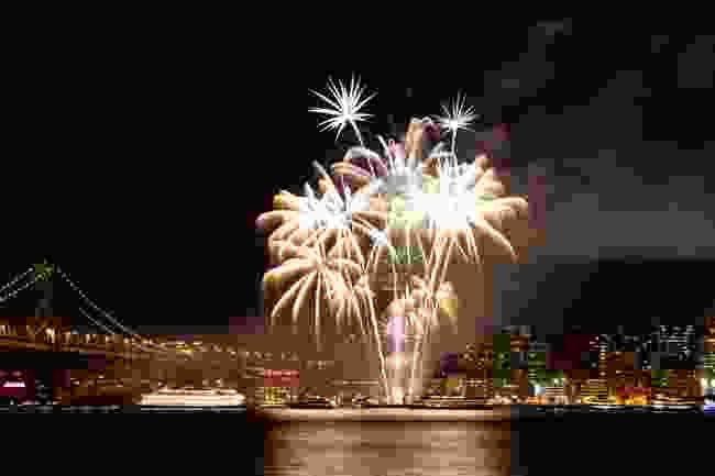 Fourth of July fireworks above the San Francisco Bay Bridge (Shutterstock)