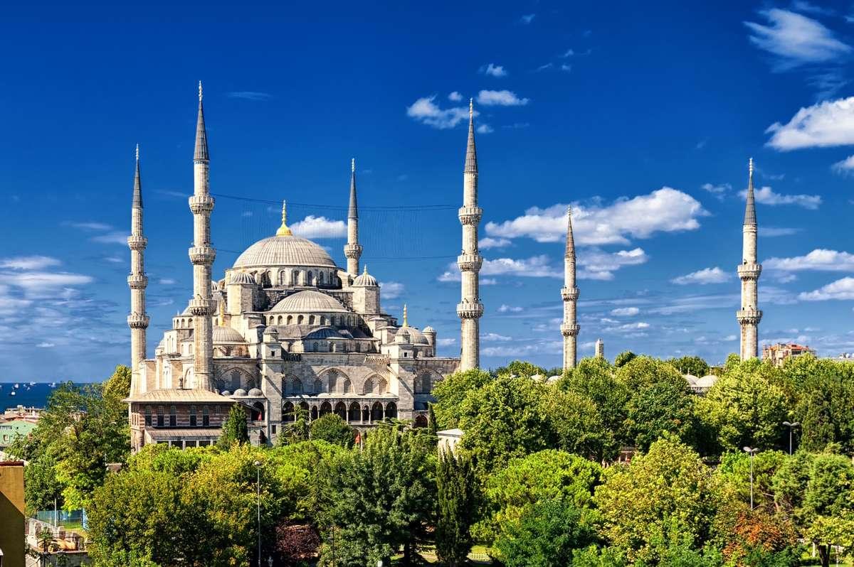 Sultanahmet Mosque (Dreamstime)
