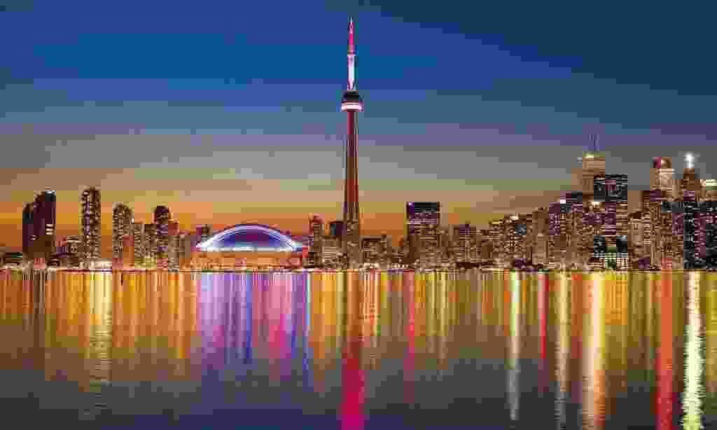 The Toronto skyline at night (Trailfinders)