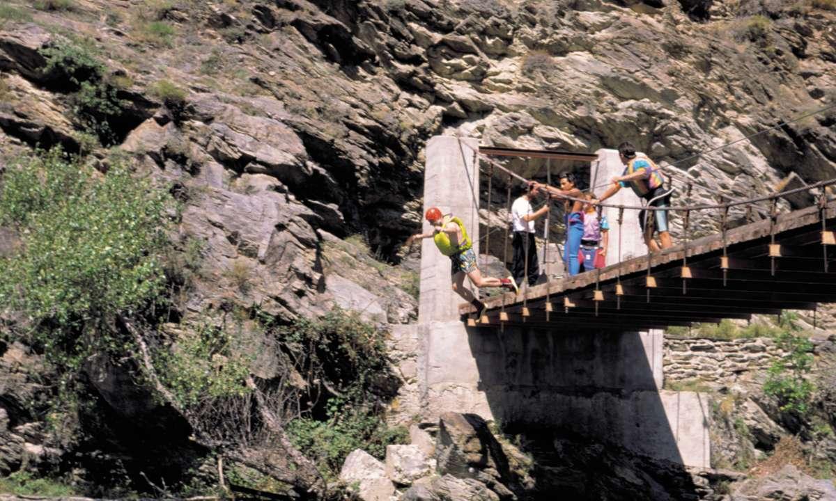 Bungee jumping (Arxiu Patronat de Turisme – Diputació de Lleida)