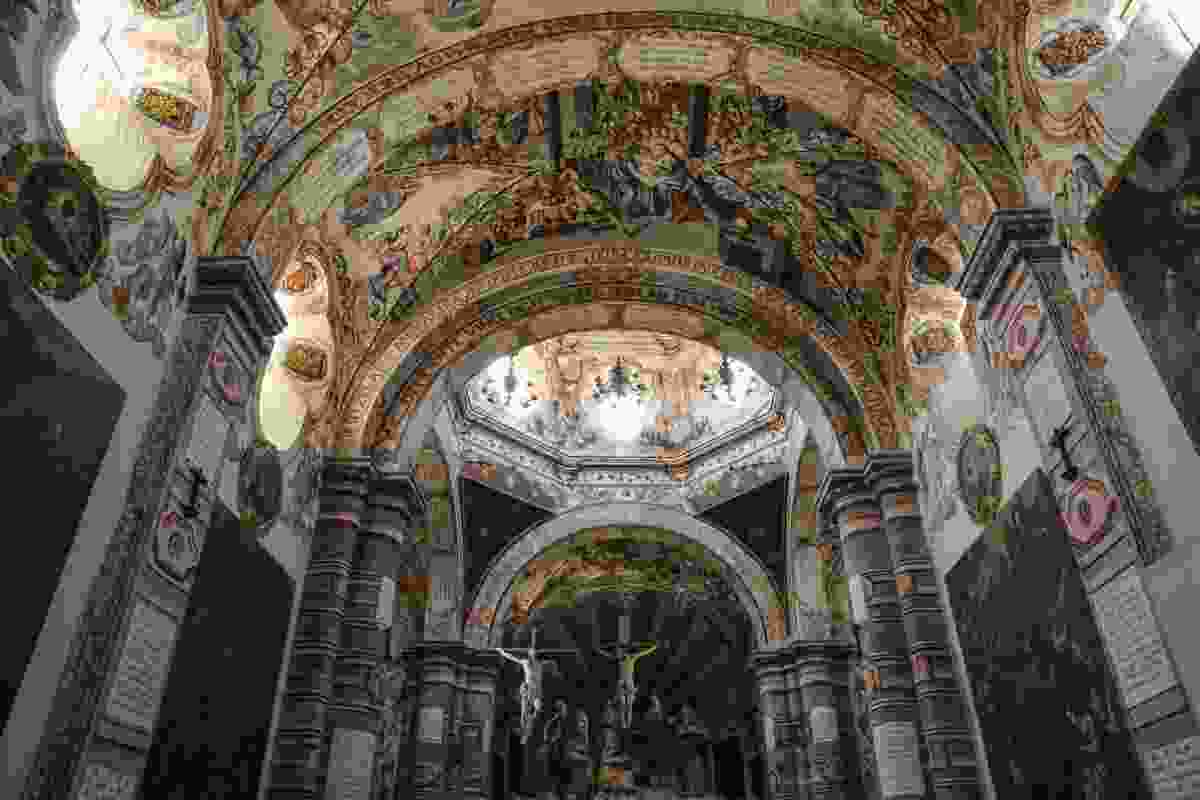 Inside Sanctuary of Atotonilco, San Miguel de Allende, Mexico (Graeme Green)