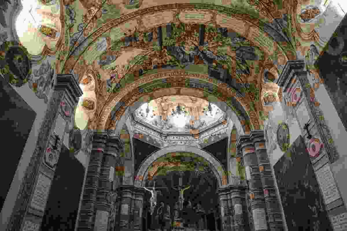 Inside Sanctuary of Atotonilco, San Miguel de Allende, Mexico (Graeme Green)