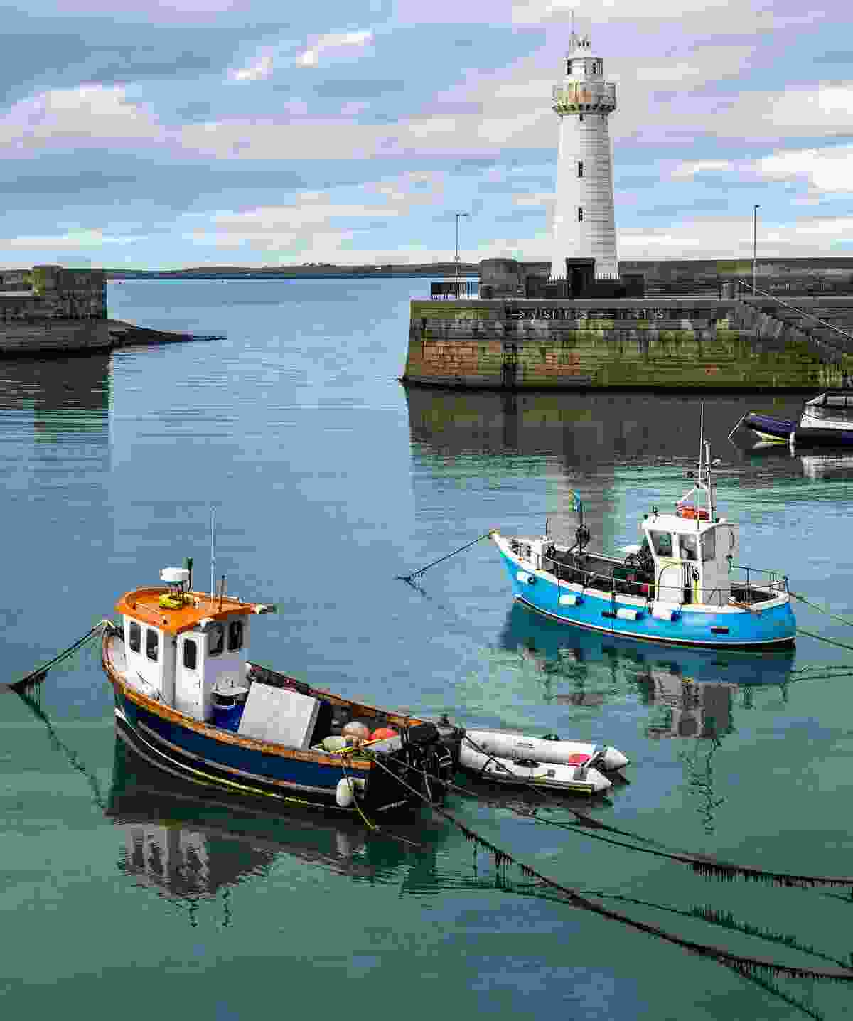 Donaghadee Harbour and Lighthouse (Shutterstock)