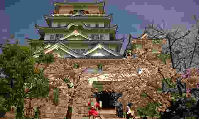 Fukuyama Castle in spring (Shutterstock)