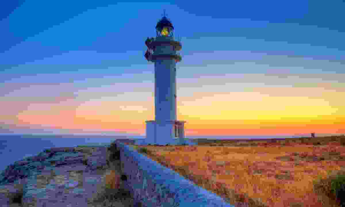 Sunset at Barbaria lighthouse (Dreamstime)
