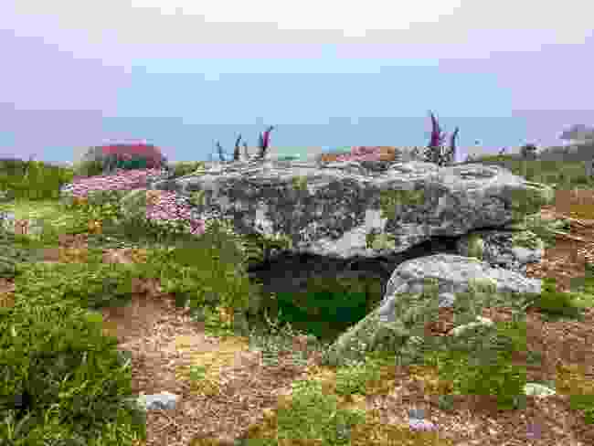 A neolithic tomb on St Agnes, Isles of Scilly (Wanderlust)