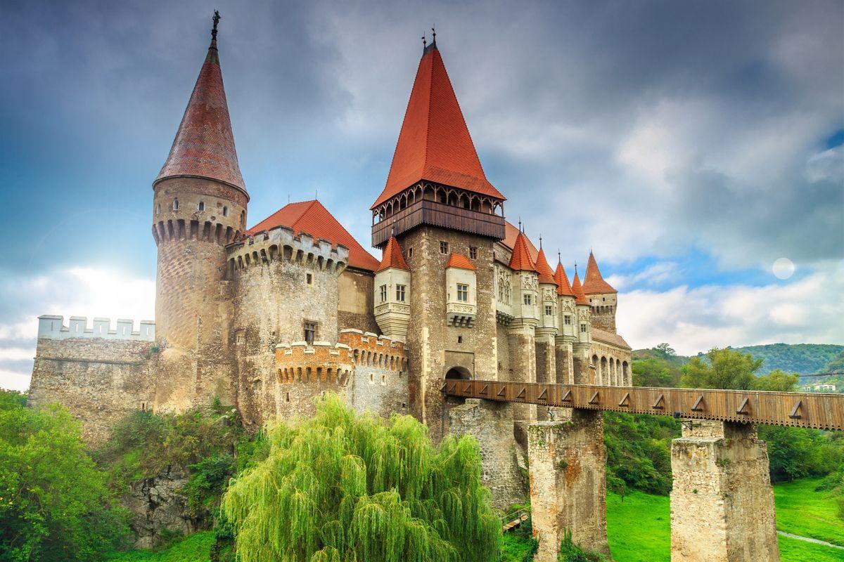 Corvin Castle (Dreamstime)
