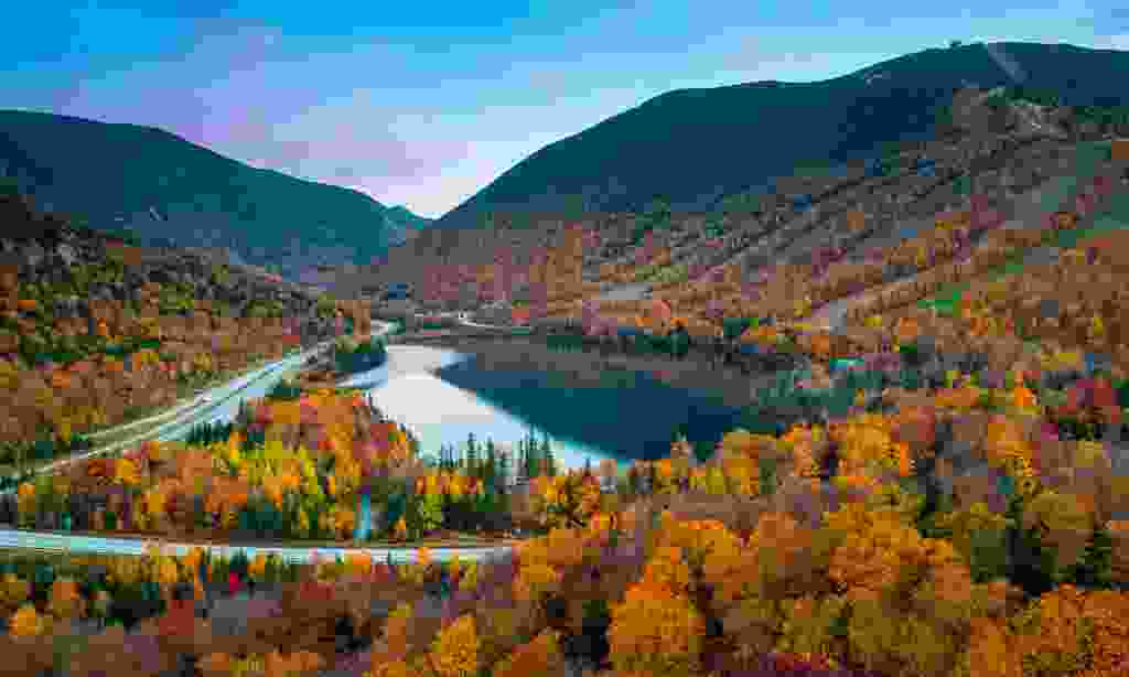Fall colours in Franconia Notch State Park, New Hampshire (Shutterstock)