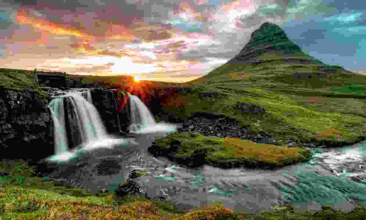 Waterfalls and volcanoes in Iceland (Dreamstime)