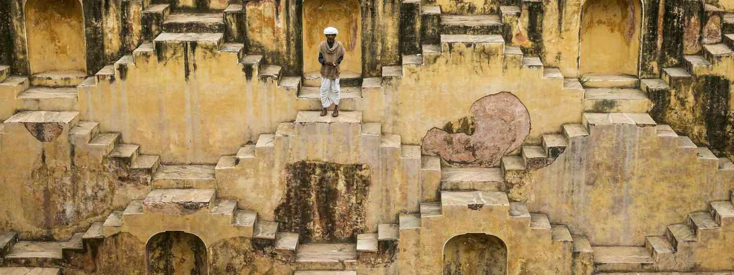 A local on the stepwells of Chand Baor (Dreamstime)